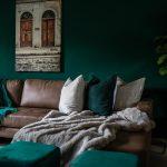 Hoe donkere kleuren toevoegen in je interieur?